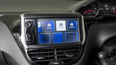 Used Peugeot 208 - screen