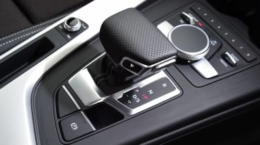 Audi A4 long-term test - controls