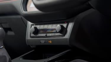 SEAT Arona FR - controls