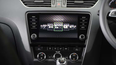 Skoda Octavia Estate 1.5 TSI - infotainment screen