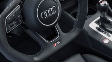 Audi RS3 Saloon 2017 - steering wheel