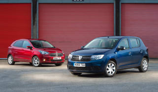 Dacia Sandero vs Ford Ka+ - header