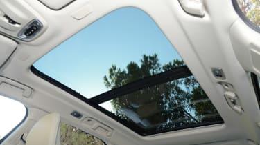 Volvo V90 - panoramic roof