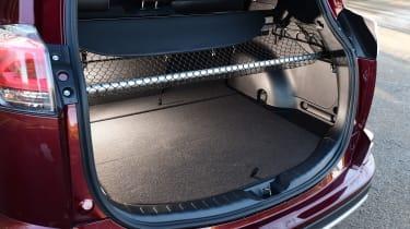 Toyota RAV4 2016 - boot space