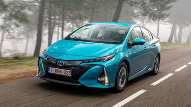 Toyota Prius Plug-In 2017 - front tracking