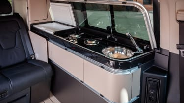 Mercedes V-Class Marco Polo - cooking