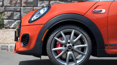 MINI John Cooper Works International Orange Edition - wheel