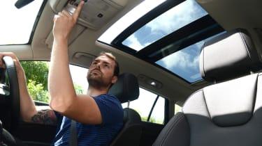 Vauxhall Insignia Sports Tourer - sunroof