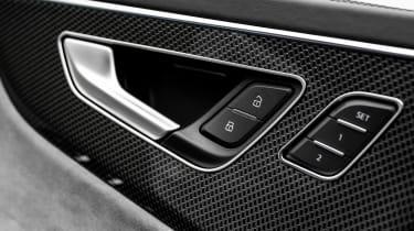 Audi SQ8 - door handle