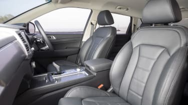 Facelifted SsangYong Rexton - interior