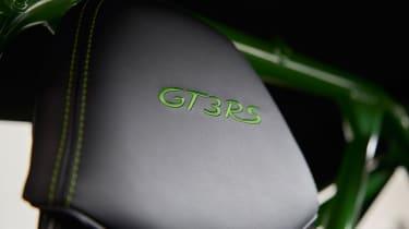 Porsche 911 GT3 RS - headrest