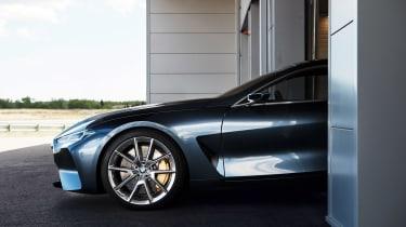 BMW Concept 8 Series - garage