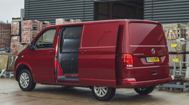 Volkswagen Transporter 6.1 - side door open