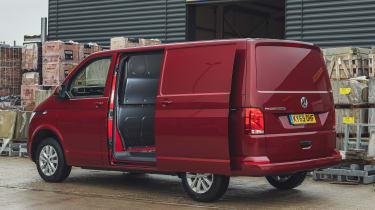 Volkswagen Transporter 6.1 - side door open