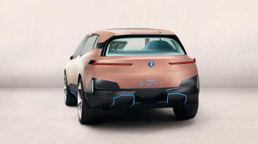 BMW Vision iNEXT - studio full rear