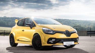 Renault Clio RenaultSport R.S.16 2016 - front quarter