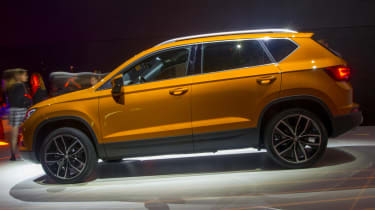SEAT Ateca SUV 2016 - show reveal side