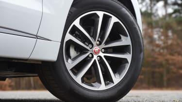 Jaguar F-Pace - wheel