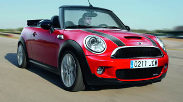 MINI JCW Convertible front tracking