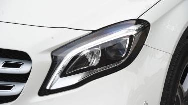 Mercedes GLA facelift - front light