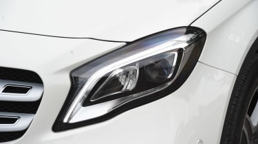 Mercedes GLA facelift - front light