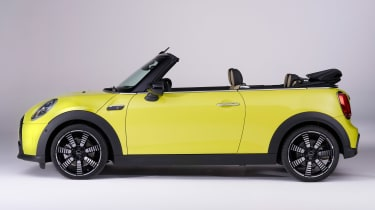 MINI Convertible facelift - side