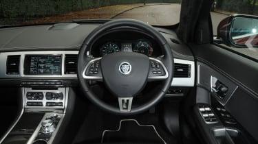 Jaguar XF Sportbrake 2.2 interior