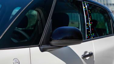 Fiat 500L Google - side detail