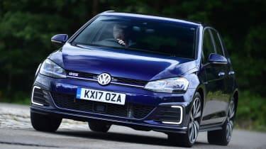 Volkswagen Golf GTE - front action