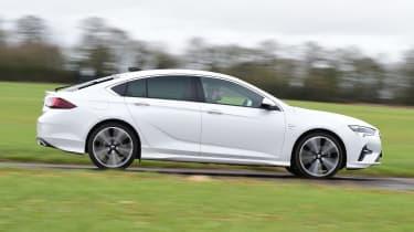 Vauxhall Insignia 1.5 diesel - side