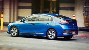 Hyundai Ioniq autonomous - side/rear action