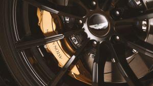 Aston Martin A3 Vantage Roadster - wheel