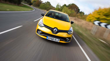 Renault Clio RS 220 Trophy - front panning