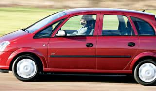 Side view of Vauxhall Meriva 1.6 Club