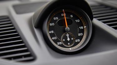Porsche 911 GT3 RS - clock