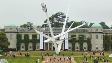 Goodwood 2016 - central feature
