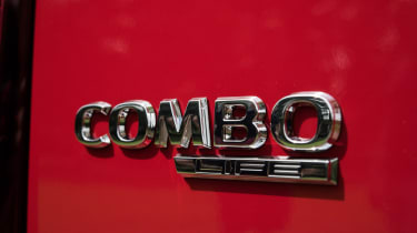 Vauxhall Combo Life - badge