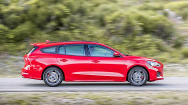 Ford Focus Estate - side action