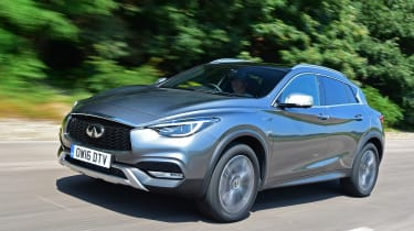 Infiniti QX30 2016 - front tracking