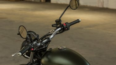 Triumph Street Scrambler review - mirrors