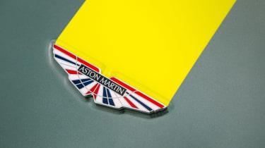 Aston Martin Vantage AMR - badge