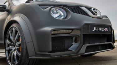 Nissan Juke-R front 1/4