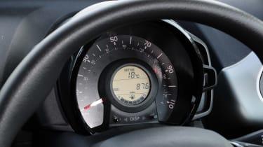 Peugeot 108 dials