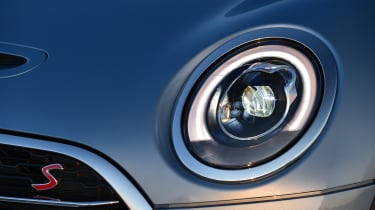 MINI Clubman ALL4 2016 - headlight