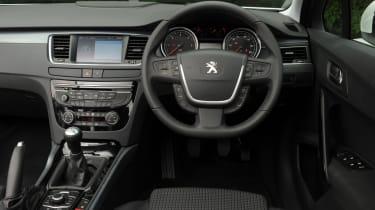 Peugeot 508 1.6 HDi Active dash