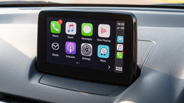 Mazda 2 - Apple CarPlay