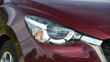 Mazda 2 - headlight