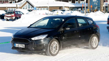 Ford Focus spied - front