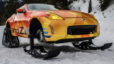 Nissan 370Zki static on snow