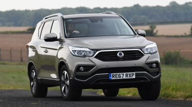 SsangYong Rexton - front action